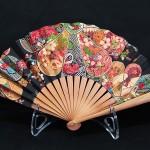 éventail, contemporain, de fabrication, française, monture en poirirer, coton Batik, prix 48€